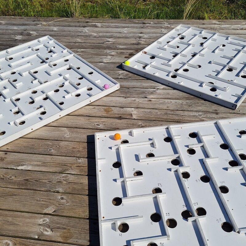 Kugle labyrint - Det kræver samarbejde, hvis bolden skal undgå hullerne